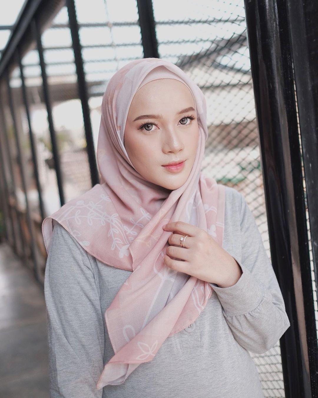 Tutorial Hijab Dengan Jepit Rambut