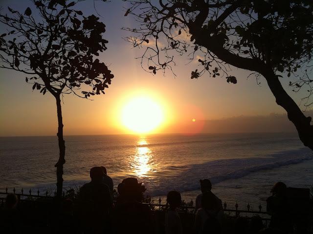夕日が沈む様子はまさに絶景
