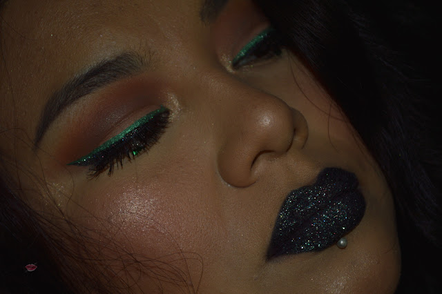 Makeup Look with Glitter Eyes Colour Arts 04 Essence e Glamstripes Glitter Green