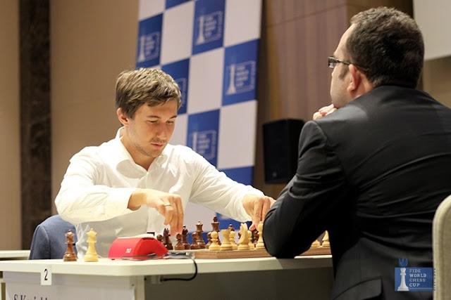 Sergey Karjakin y Pavel Eljanov durante las semifinales de la Copa del Mundo