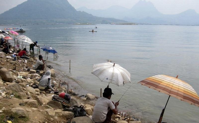 Aquatic Essen: Tempat Mancing Di Jatiluhur