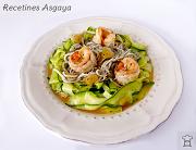 http://recetinesasgaya.blogspot.com.es/2014/04/tallarines-de-calabacin-con-gambones-y.html