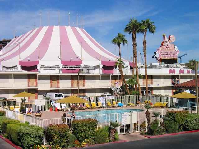 westward ho las vegas pool with circus circus