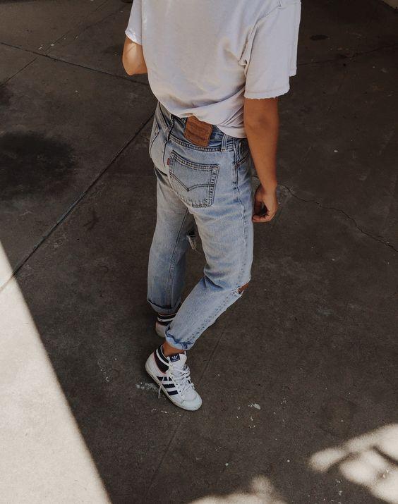 Mija Flatau Levis Jeans Adidas Sneakers