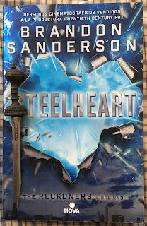 Portada del libro Steelheart, de Brandon Sanderson