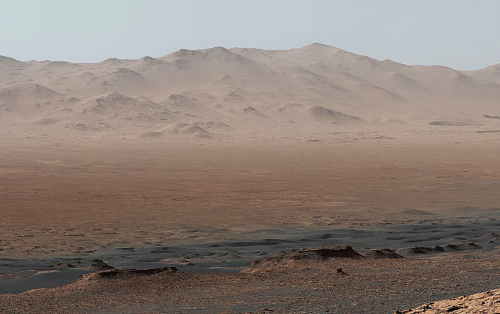 Марсохід Curiosity переслав на Землю панораму Марса