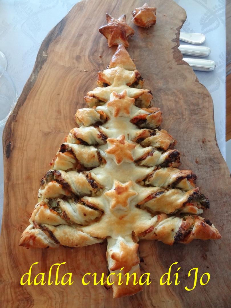 dalla cucina di Jo\'\': Albero di Natale di pasta sfoglia e salmone