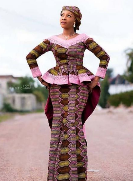 Collection of Beautiful Skirt and Blouse for Celebrating Women Pics