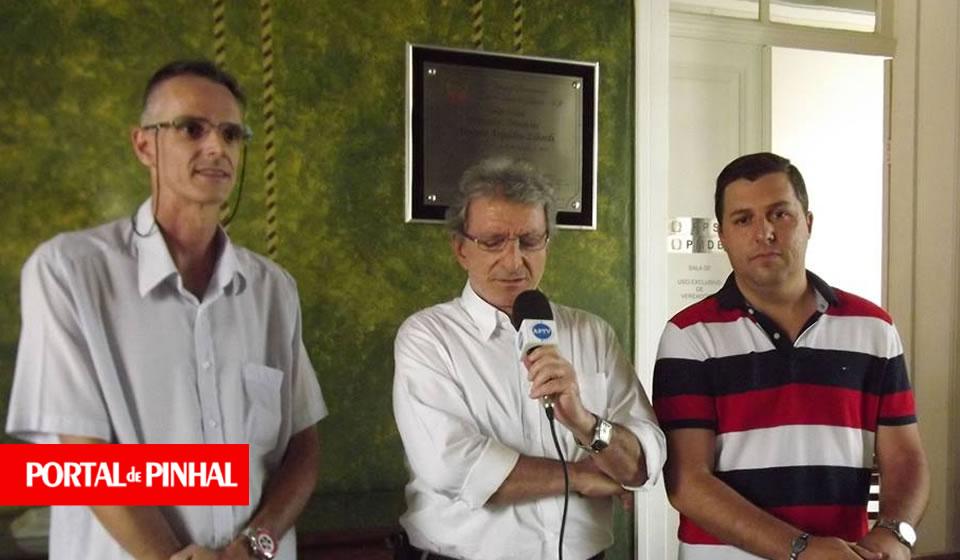 Mesa da Câmara Municipal propõe redução do salário do prefeito de Pinhal