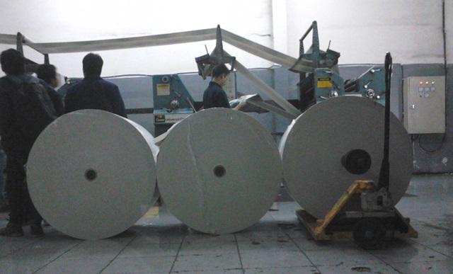 Kunjungan ke Bandung Ekspres, percetakan koran, surat kabar, gulungan kertas 1 ton