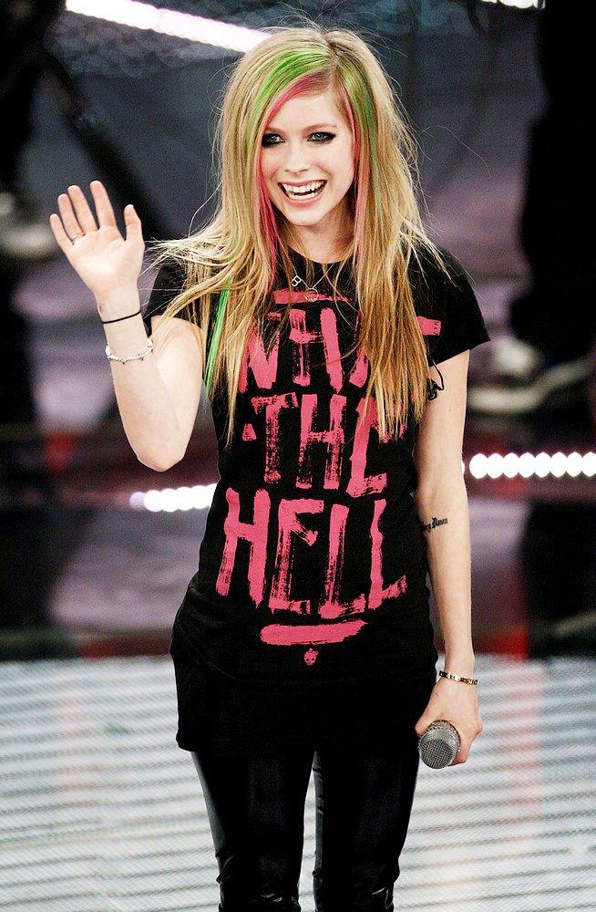 Lirik Lagu Avril Lavigne What The Hell