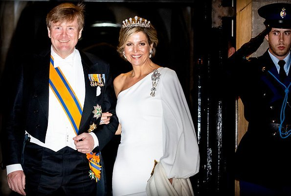 Princess Beatrix and Princess Margriet were also present at the gala dinner. Queen Maxima wore a outfit by Jan Taminiau