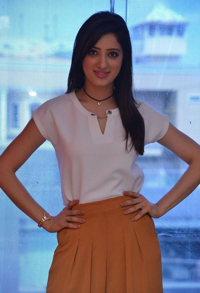 Indian Actress Richa Panai Hot Photos In White Top At Movie Promotions Radio City
