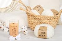 Logo Gioca e vinci gratis 1 kit per lavori a maglia e 1 stupenda JewelCandle Cozy&Lazy con gioiello