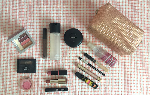 letmecrossover_blog_michele_mattos_blogger_travel_makeup_bag_kiko_elf_brows_lipstick_essence_lip_gloss_pencil_mascara_nivea_eyeshadow_blush_maybelline_elf_milani_teddy_bear_eye_pencil_avon_cruelty_free