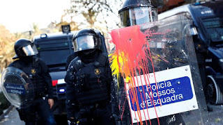 Protesters have blocked a major highway and dozens of roads leading to and from the Spanish city of Barcelona, as anger grows over a planned cabinet meeting in the want-away region.