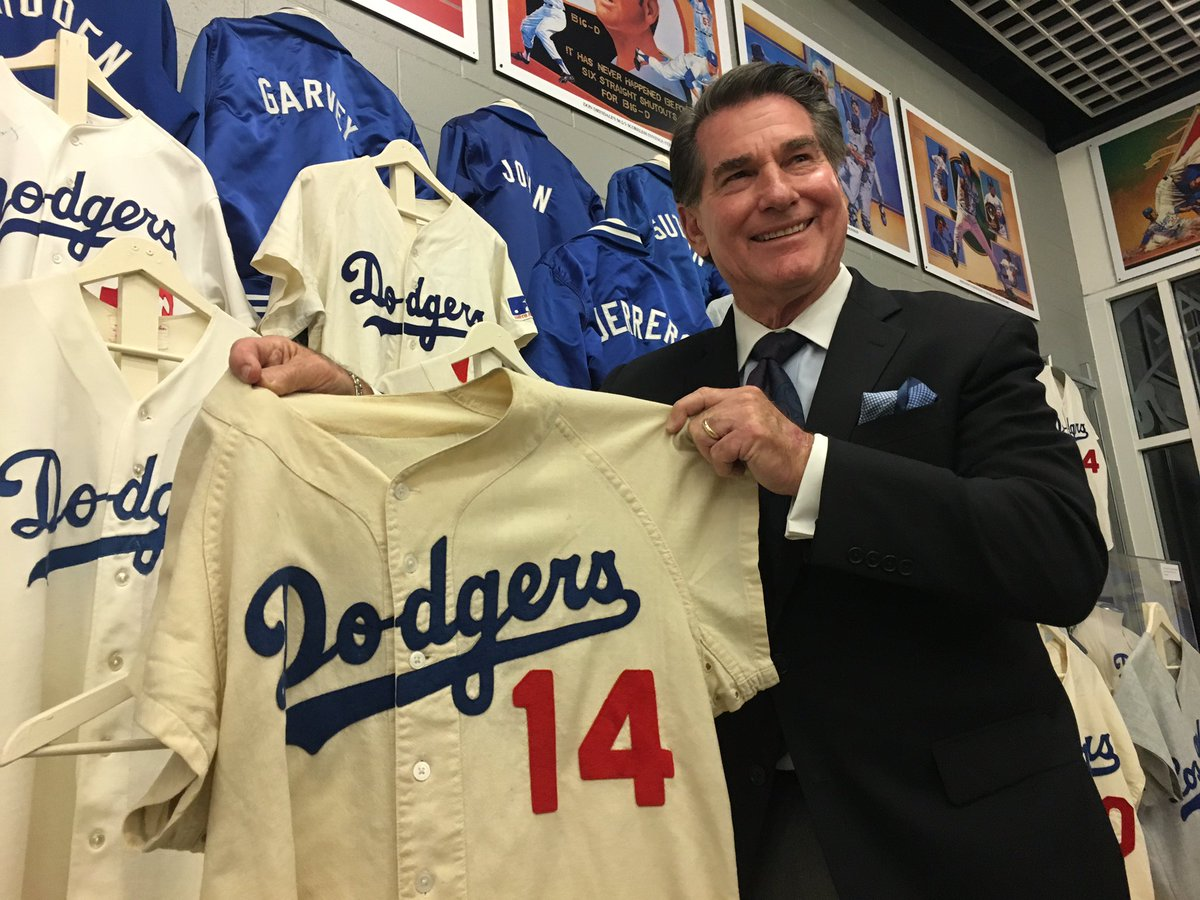 Dodgers Blue Heaven: Blog Kiosk: 12/2/2016 - Dodgers Links: Some Odds and Ends