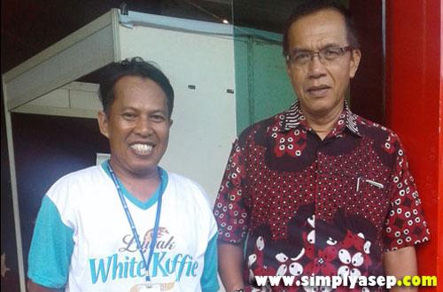 Penulis bersama Pemimpin Redaksi Tribun Pontianak Bapak Ahmad Suroso. Foto Istimewa