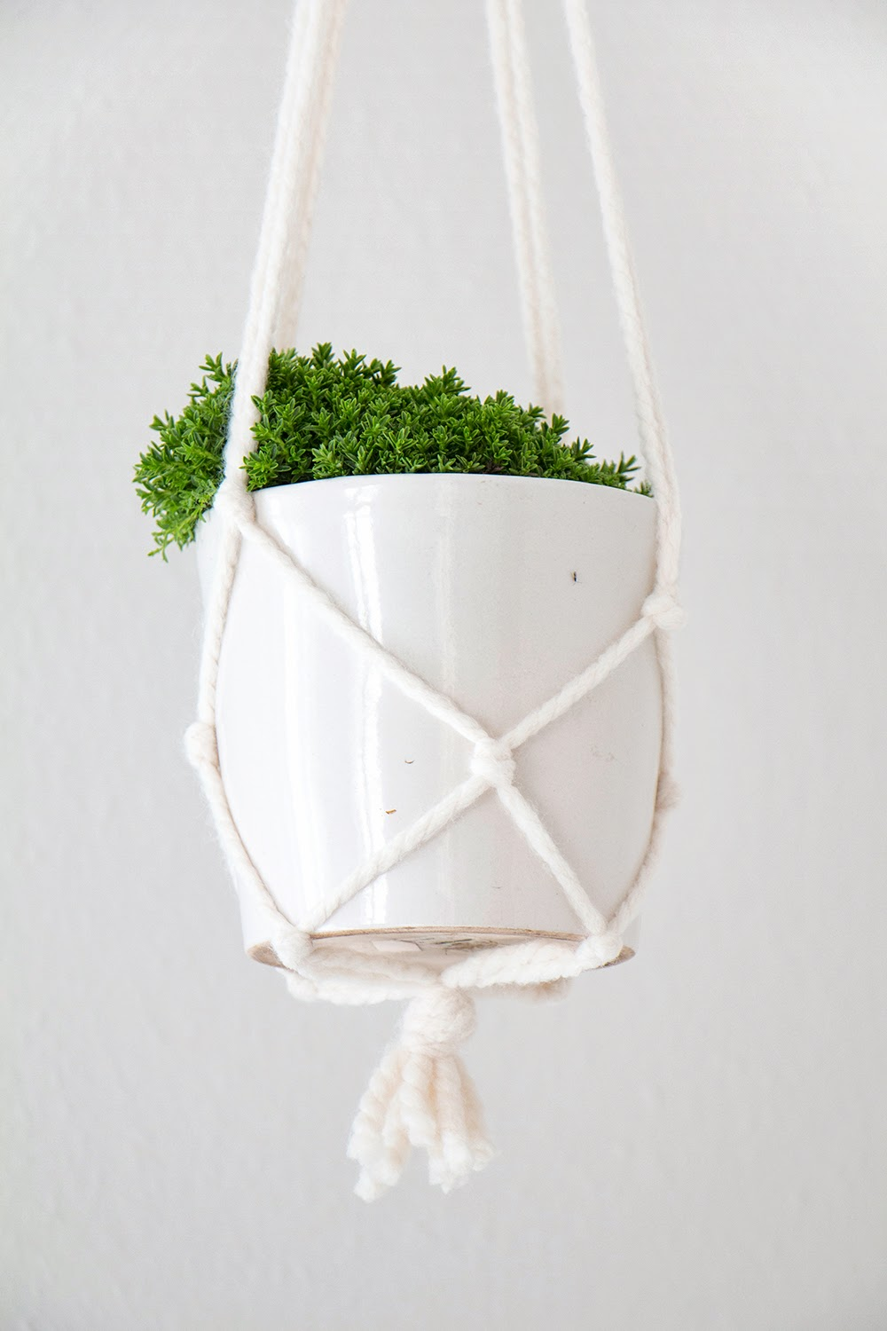 Simple Diy Macrame Necklace: Chi Chi Dee Handmade: DIY Macrame Pot Hanger Tutorial