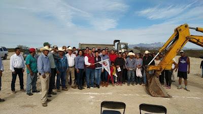 Alcalde Víctor Balderrama Cárdenas da banderazo de inicio de obras en las comunidades del Sur