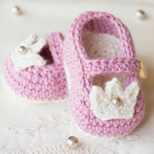Princess Charlotte Baby Booties - Free Pattern