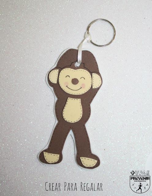 mono llavero en goma eva manualidades diy