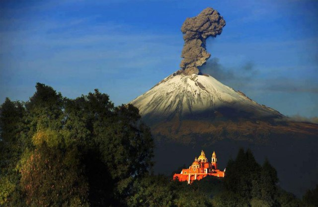 Here are the 7 most amazing Volcanoes in the world! 18