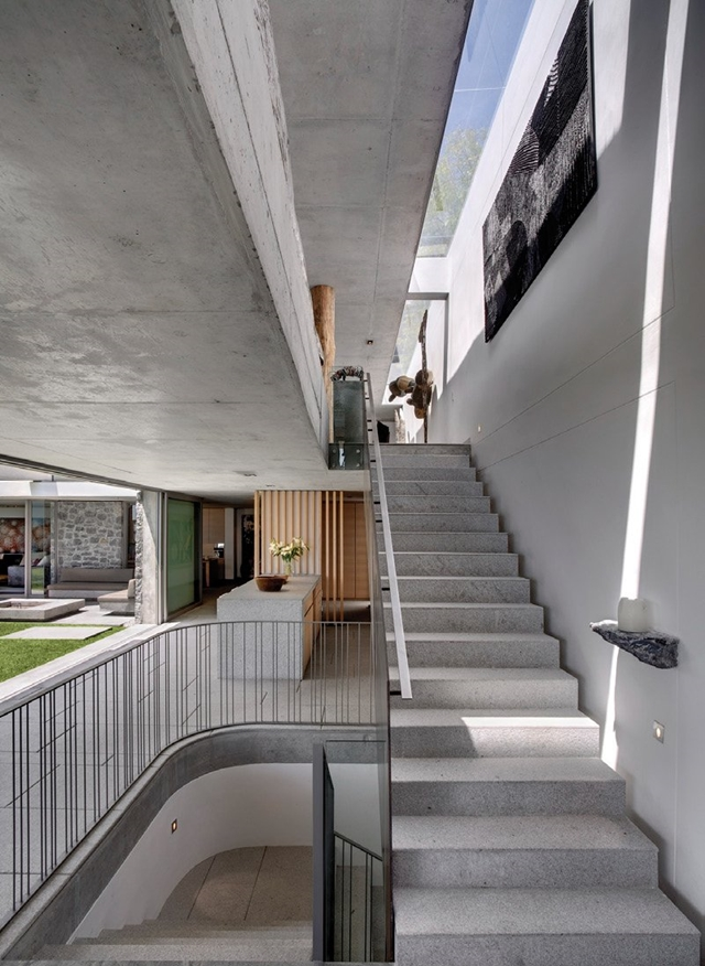 Contemporary concrete staircase