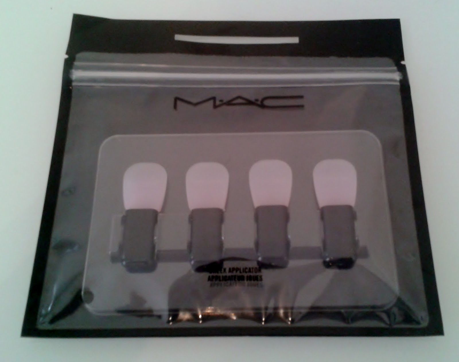 MAC Cheek Applicator