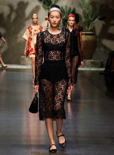 dolce gabbana women fashion show runway