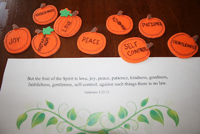 A Pumpkin Prayer Review Tommy Nelson Books toddler homeschool fruit of the spirit pumpkin activity