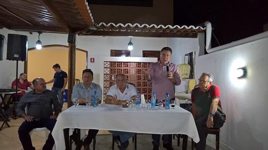 Ricardo Teobaldo e Zé Humberto concedem entrevista a blogueiros e radilistas em noite muito proveitosa