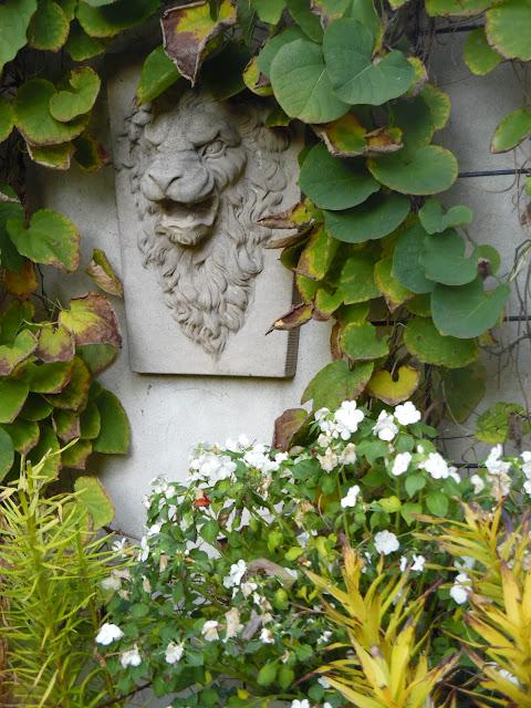 kamienna ozdoba ogrodowa