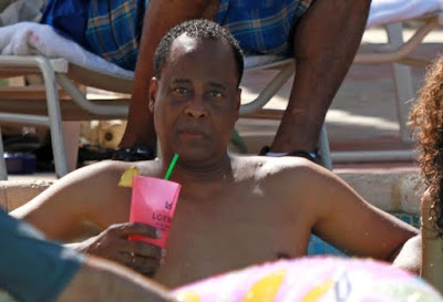 dr. conrad murray, conrad murray, dr. conrad murray vacation, dr. conrad murray relaxing