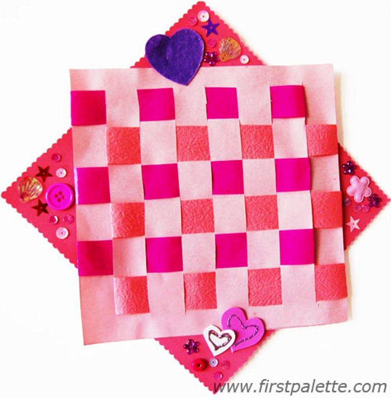 Anyaman Kertas Warna_Contoh Anyaman Kertas 3 Warna Pink Cantik
