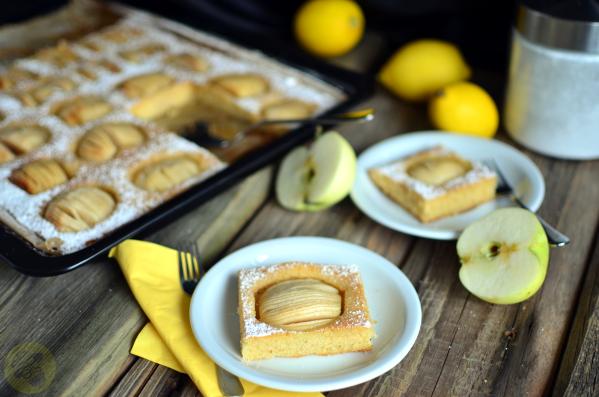 ciasto z jabłkami i grysikiem