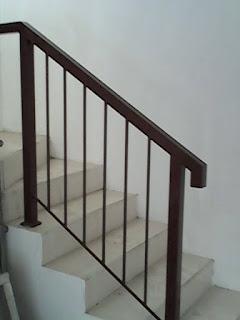 Pagar Railing Tangga dan Balkon Besi dan Stainless Steel