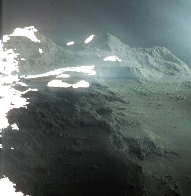 superficie do Cometa 67 P - Churyumov - Gerasimenko por Jacint Roger Perez