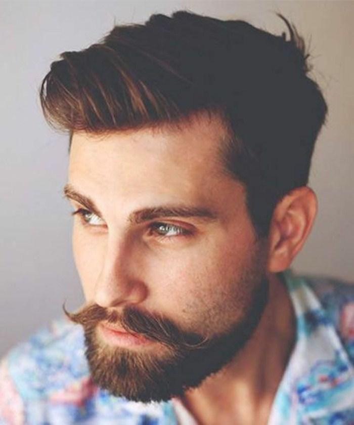Cortes de cabelo masculino social moderno: corte leve e penteado lateral