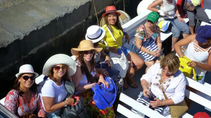 Nosso grupo em barco, passeando em Capri