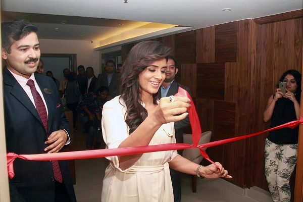 Actress Sonali Kulkarni inaugurates Bodyscape spa at The Resort hotel, Mumbai