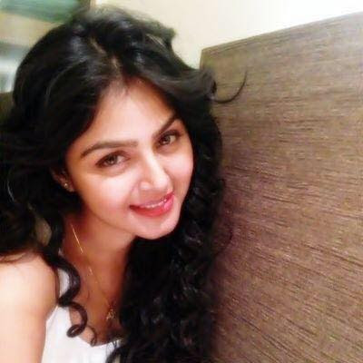 Monal Gajjar Wiki, Height, Weight, Age, Husband, Family and Biography