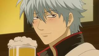 Gintoki z piwkiem i rumieńcem