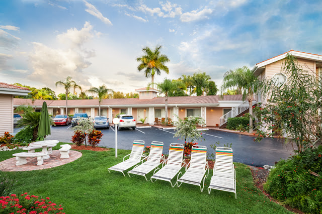 Tropical Beach Resorts in Sarasota and Siesta Key is a vacation paradise on the beach voted number one in the USA.