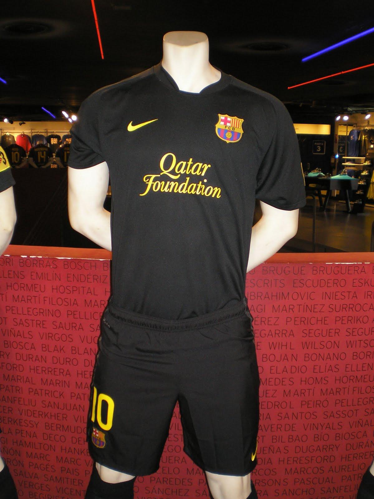 da6f1783c0 Tenemos un nombre  La equipación oficial del F.C. Barcelona para la ...