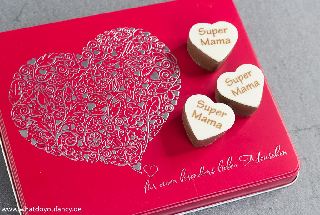 Muttertag Arko Pralinen-Box Herzliche Grüße