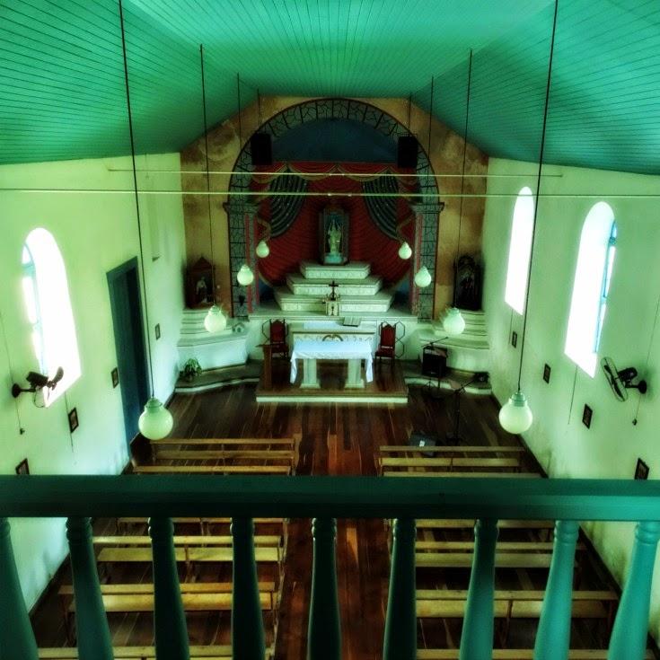 Interior da Capela de Santo Amaro, em Balneário Camboriú
