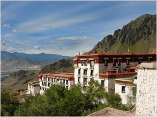 อารามเดรปุง (Drepung Monastery)