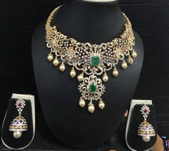Diamond Set with Rose Motifs