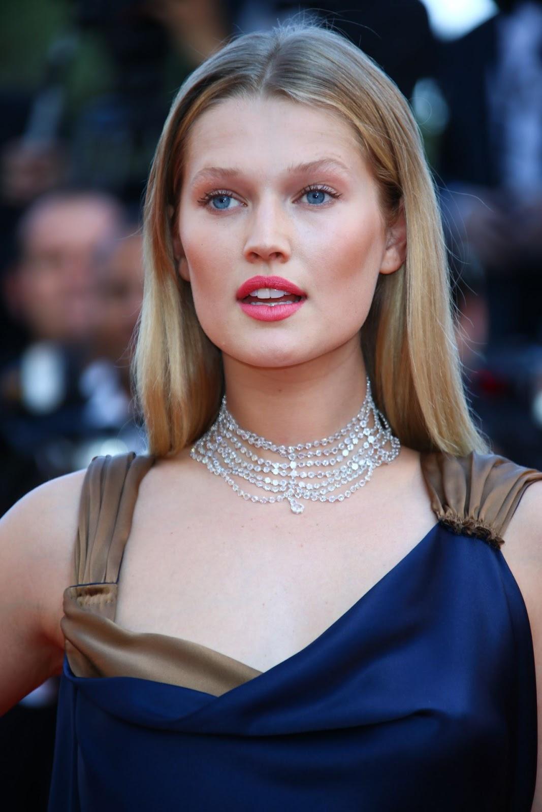 Full HQ Photos of Toni Garrn in blue dress at Carol Premiere 2015 Cannes Film Festival